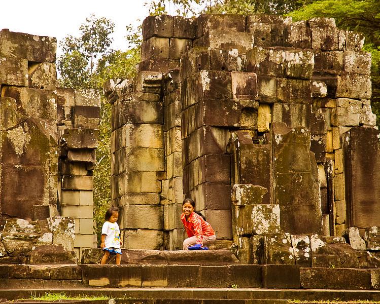 Mother and child at Angkor Thom