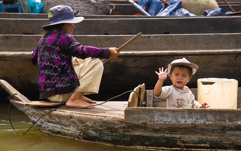 Boating on the Tonlé Sap at Kompong Chhnang floating village