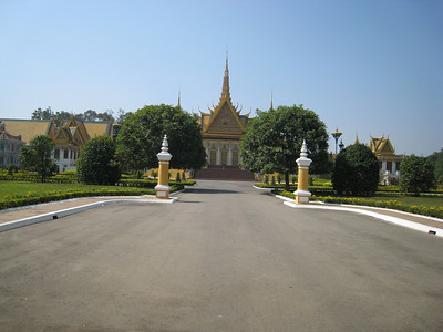 royal_palace_01