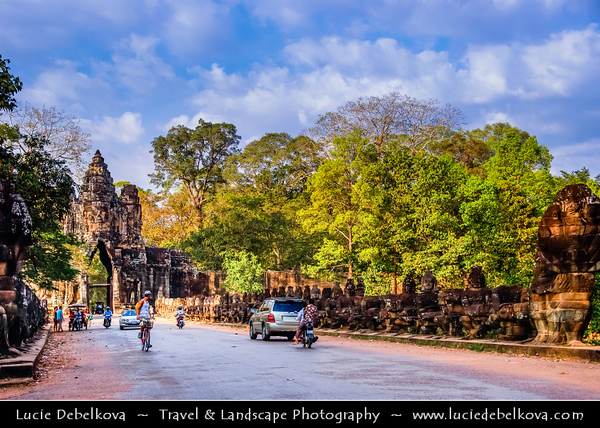 Asia - Cambodia - Prasat Angkor Wat - Largest Khmer temple complex in world - UNESCO World Heritage Site - One of the most important archaeological sites in South-East Asia stretching over some 400 km2 containing magnificent remains of the different capitals of the Khmer Empire from the 9th to the 15th century
