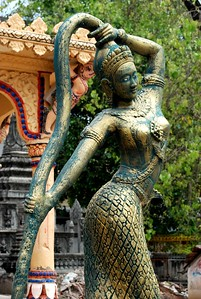 Apsara dancing statue, Phnom Penh, Cambodia 2007