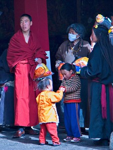Families visit the temple