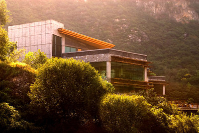 We never found out who owned this beatiful home adjacent to the Ranch.  It has spectacular views of the Great Wall.