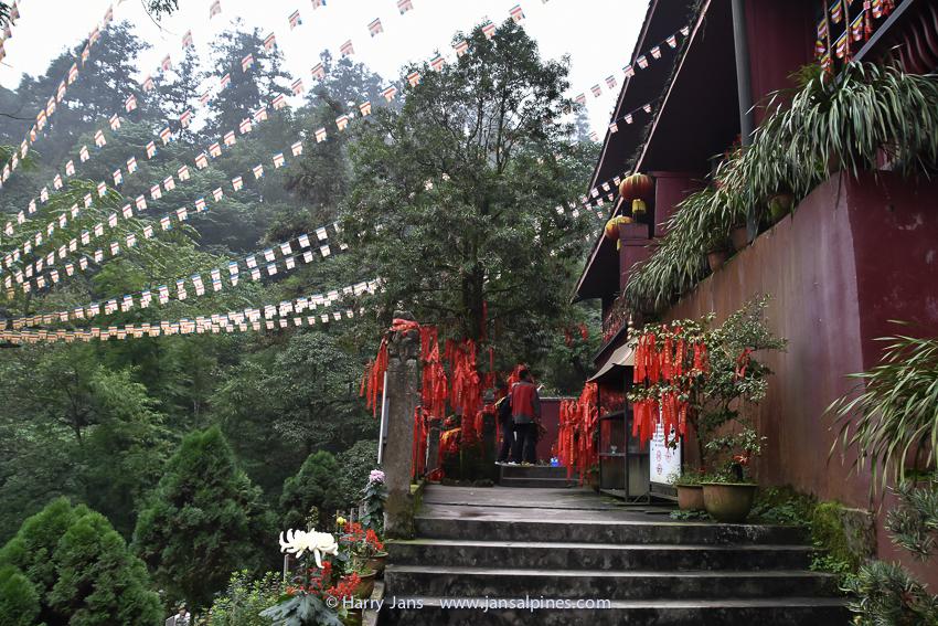 Temple at Emei Shan