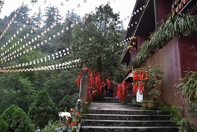 Temple at Emei Shan