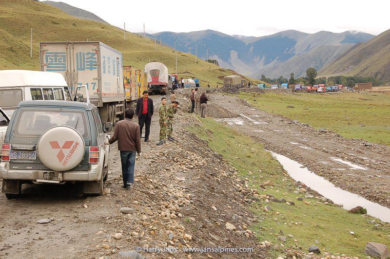 road problems (Kanding --> Yajiang)