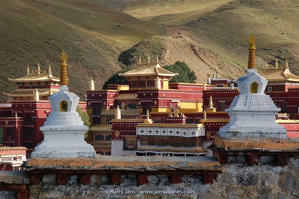 Litang Chˆde Monastery