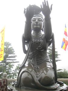 statue_4