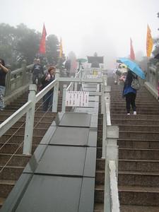 stairs_buddha_03