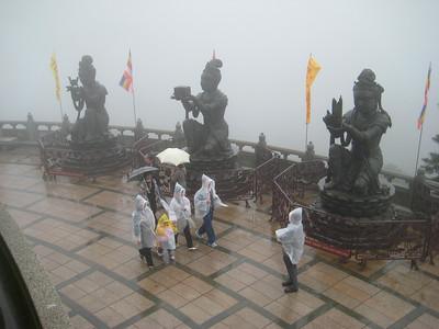 statues_1