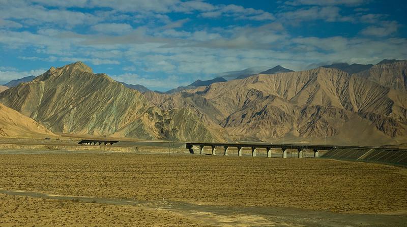 Track ahead on the Shangri-La Express