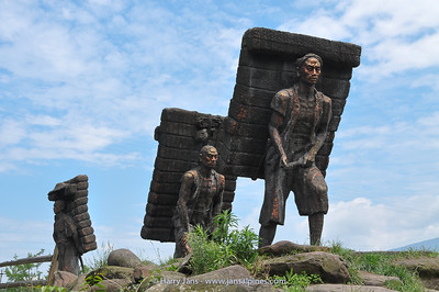 monument brick tea porters near Ya'an