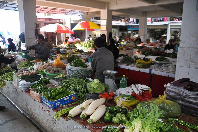 market at Jiulong, 2920m