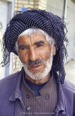 Kurd at Shahin Dezh (1425m)