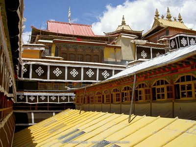 wonderful roofs at the Potala Palace