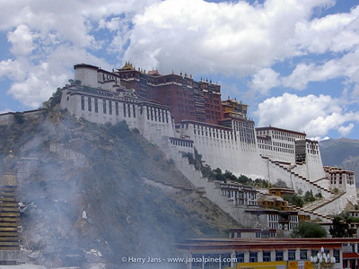 The Potala Palace, the lagest building in Tibet