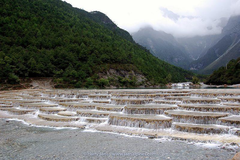 Bai Shui, artificial tufa pools