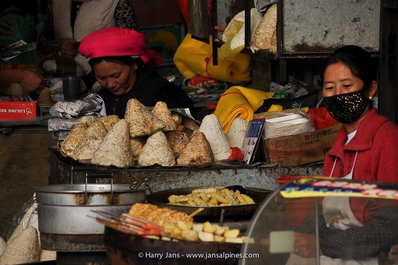 Zhongdian market