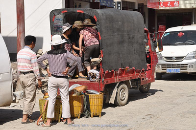market at Xizhou village