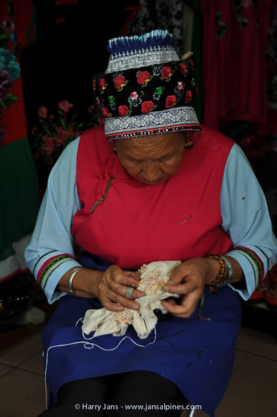 making batic cloth