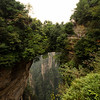 天下第一桥。 It is the highest natural stone bridge