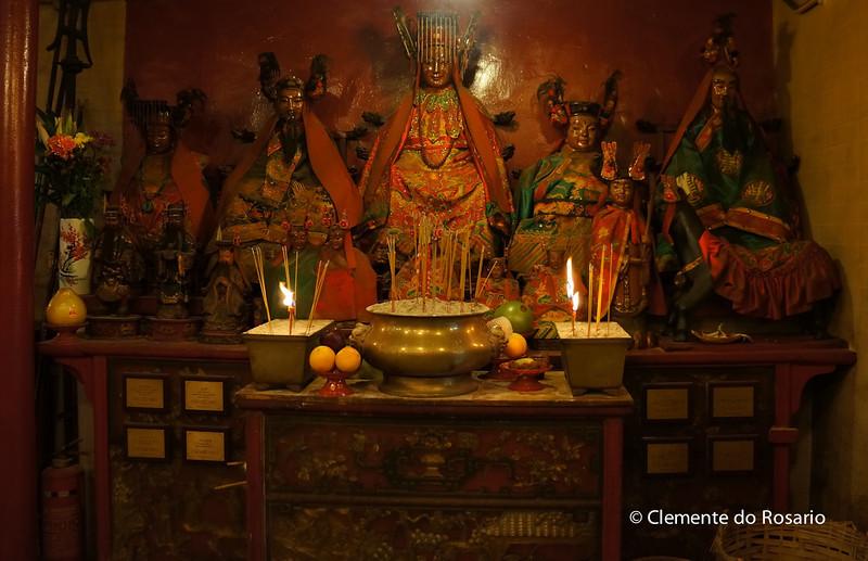 Gods of Literature and War(Man and Mo)  in Man Mo Temple, Hong Kong<br /> File Ref:2012-06-25-Hong Kong 066