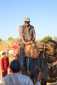 Sujay our intrepid guide mounted a camel to show how easy it was