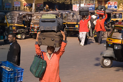 When we disembarked at Jhansi we were pleased to see our luggage