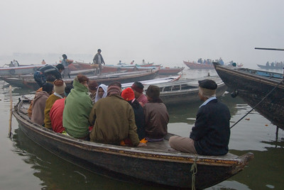 The river was crowded with boats full of pil=grims wrapped up aginst the chill of the morning