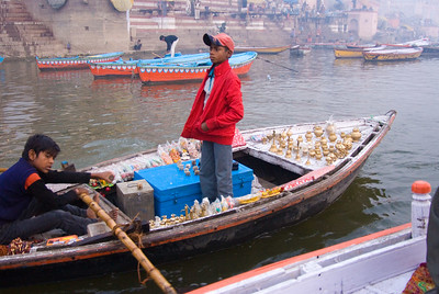 Even here we were followed by vendors - on boats!