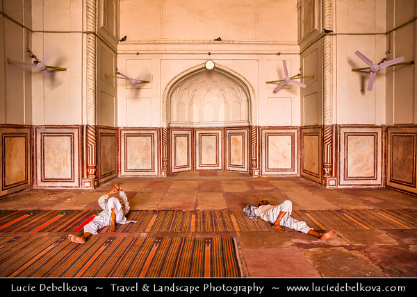 """India - Uttar Pradesh State - Agra - Jami Masjid - """"Friday Mosque"""" - 17th century structure & one of largest mosques built by Mughals in India"""