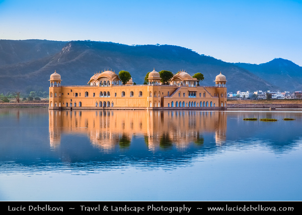 India - Rajasthan - Jaipur - Historical Rajasthani town nicknamed as Pink City - Old City - UNESCO World Heritage Site - Jal Mahal - Water Palace located in middle of Man Sagar Lake