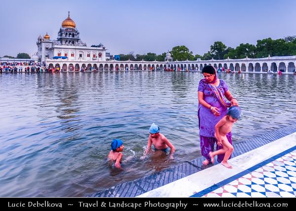 India - Delhi - New Delhi - Gurudwara Bangla Sahib - Most prominent Sikh gurdwara temple or Sikh house of worship in Delhi