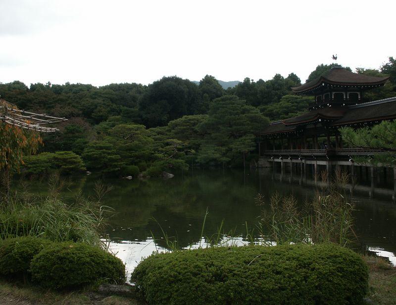 """""""Peaceful"""" garden: Landmark of Heian shrine"""
