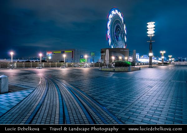 Japan - Honshu Island - Tokyo - 東京 - Tōkyō - Odaiba - お台場 - Large popular shopping and entertainment district on an artificial man made island in Tokyo Bay