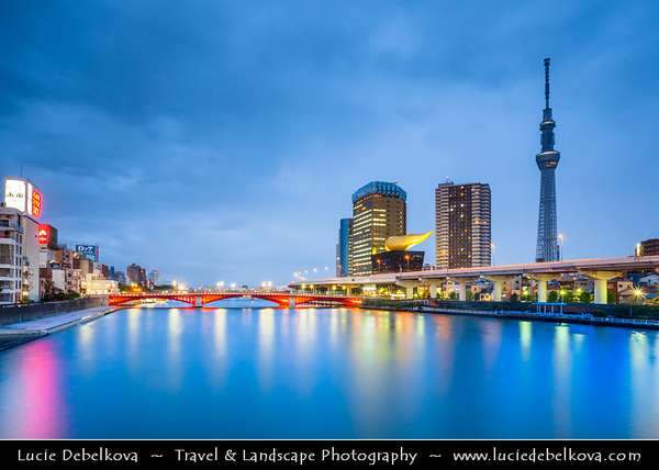 Japan - Honshu Island - Tokyo - 東京 - Tōkyō - Asakusa - 浅草 - Sumida-gawa River landscape - Sky tree with Asahi Beer Tower and Asahi Super Dry Hall with its characteristic Flamme d'Or