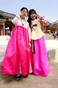Korean Girls at Palace, Seoul