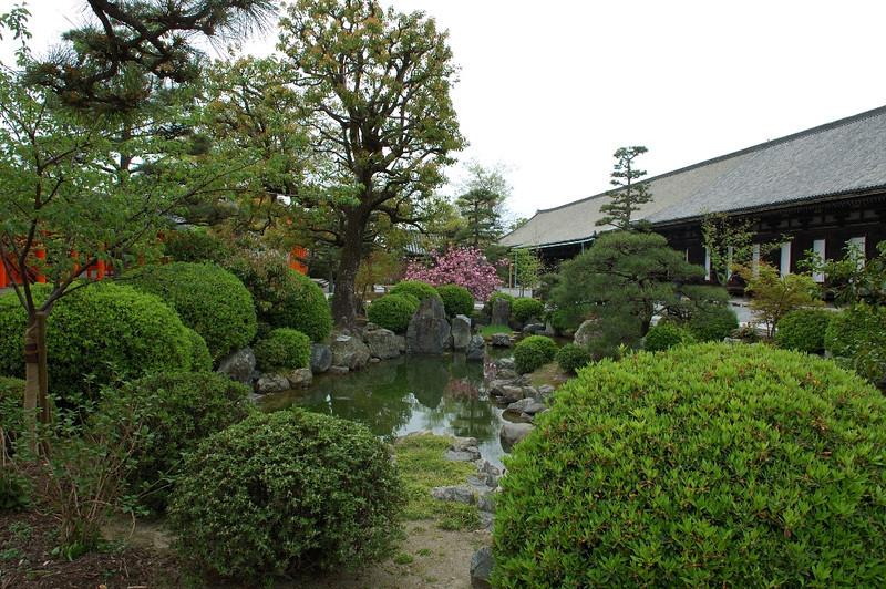 Kyoto Sanjusangendo Hall 07.jpg