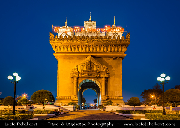 Asia - Laos - Vientiane - Viang chan - Capital city of Laos situated on relaxing riverbank of Mekong River - Patuxay - Patuxai - Victory Gate - Gate of Triumph - Anousavary - Anosavari Monument - Impressive arch at the end of Lane Xang Avenue - One of Vientiane's most noticeable landmarks
