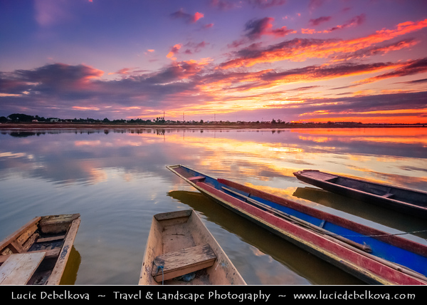 Asia - Laos - Vientiane - Viang chan - Capital city of Laos situated on relaxing riverbank of Mekong River - Traditional life along magestic river Mekong during Sunset time