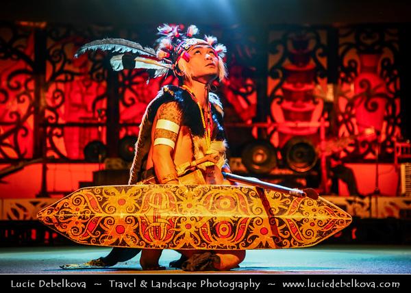 Southeast Asia - Malaysia - Borneo - Sarawak - Kuching - Sarawak Cultural Village on the foothills of Mount Santubong - Traditinal Dance