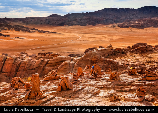 Asia - Mongolia - Монгол улс - Land of Vast Steppes & Kind Nomads - Central Mongolia - Baga Gazriin Chuluu - Stone of the little place - Granitic rock formations located in the northwest of province of Dundgov