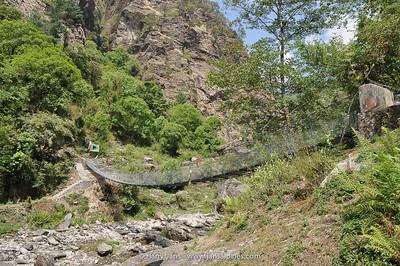 chain-bridge on the Gosainkunda trek