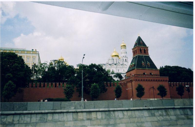 kremlin_wall_2