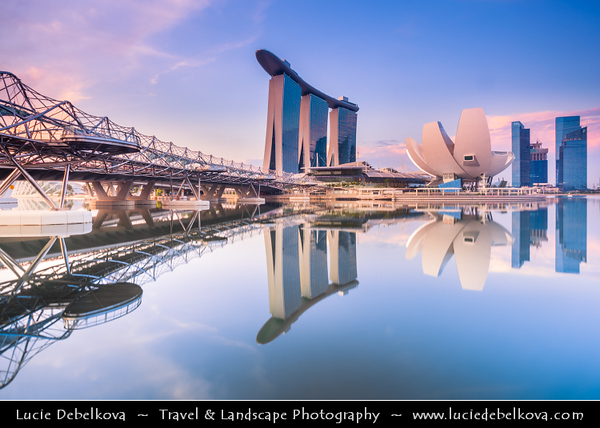 Singapore - Marina Bay Sands Hotel - Integrated resort fronting Marina Bay - Developed by Las Vegas Sands, it is billed as the world's most expensive standalone casino