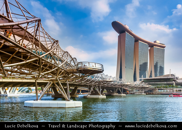 Singapore - Marina Bay - Marina Bay Sands Hotel - Integrated resort fronting Marina Bay & Helix Bridge - Steel footbridge, opened in 2010, inspired by the curved form of the structure of DNA