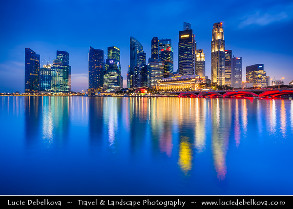 Singapore - Marina Bay - Central Business & Financial District with High-rise Buildings & Skyscrapers - Reflected in Waters of of Marina Bay - Area of commercial, residential, hotel and entertainment space - Twilight - Dusk - Blue Hour - Night