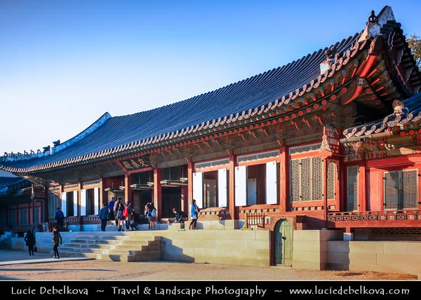Asia - South Korea - Seoul - Gyeongbokgung Palace - Gyeongbok Palace - Main and largest royal palace of the Joseon dynasty built in 1395