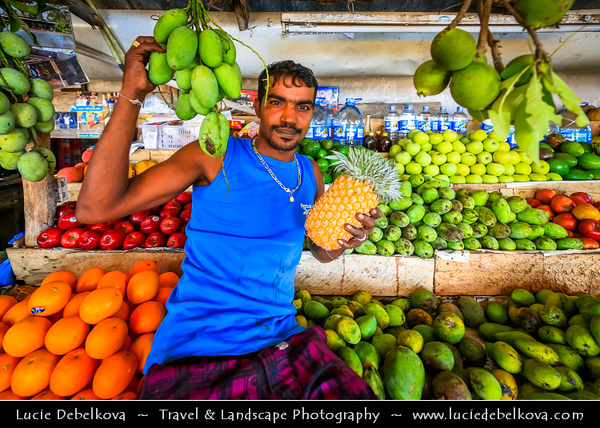 Asia - Sri Lanka - Ceylon - The Pearl of the Indian Ocean - Emerald Isle - Southern Province - Weligama - Fishing town on southern coast along the Indian Ocean - Fresh fruit stand