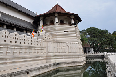 Kandy - Right Temple Moat